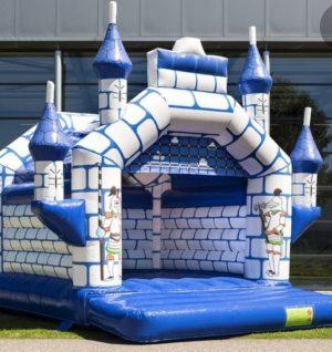 overdekt springkussen kasteel
